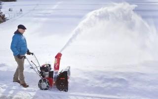 Снегоуборщик. Назначение, виды, характеристики и выбор