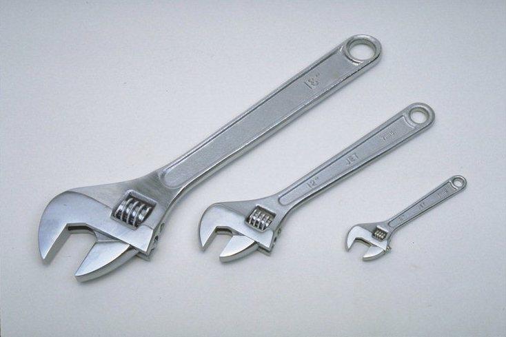 Разводной ключ разных размеров