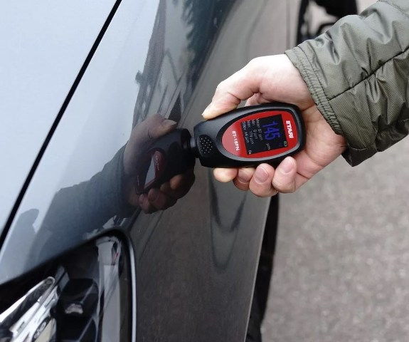 Измерение толщины ЛКП автомобиля